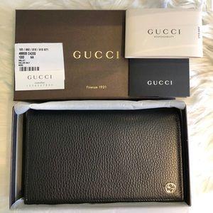 Gucci Pebbled Calfskin Betty Chain Wallet